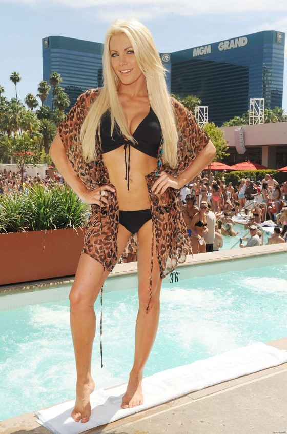 Crystal Harris In A Bikini 13 Gotceleb