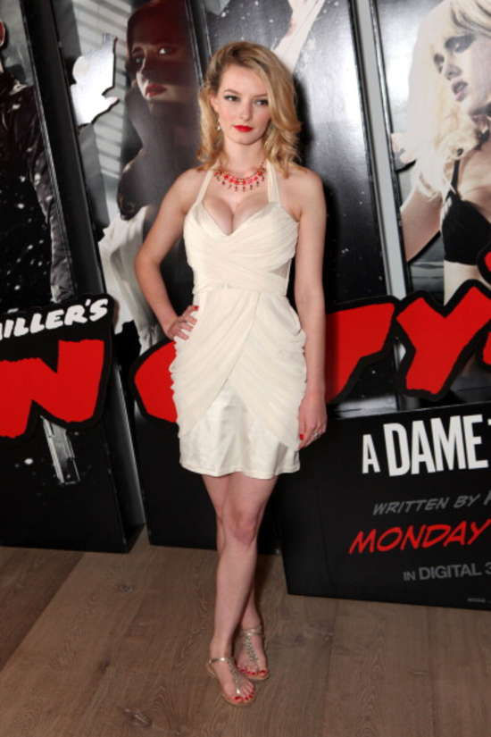 Dakota Blue Richards: Sin City 2 VIP Screening -01