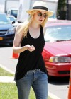 "Dakota Fanning and Elizabeth Olsen - New photos from the set of ""Very Good Girls"""