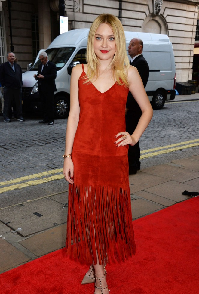 "Dakota Fanning - Premiere ""Effie Gray"" in London"