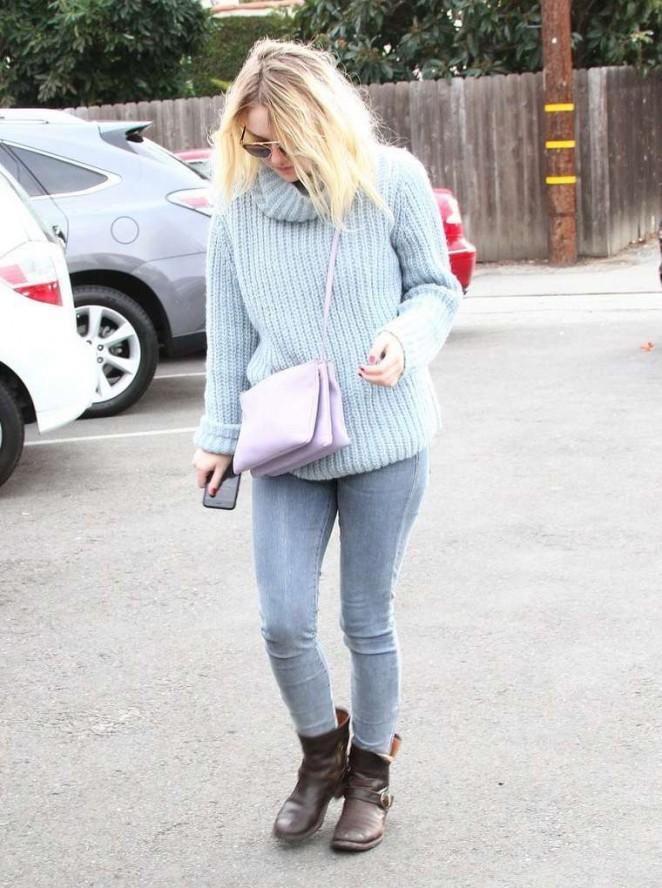 Dakota Fanning in Tight Jeans out in LA