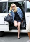 dakota-fanning-legs-on-the-set-of-very-good-girls-in-new-york-15