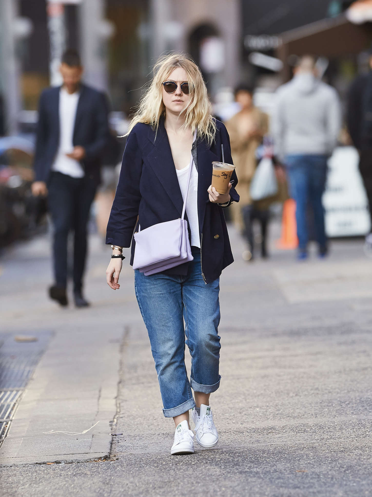 Dakota Fanning 2014 : Dakota Fanning in Jeans -06