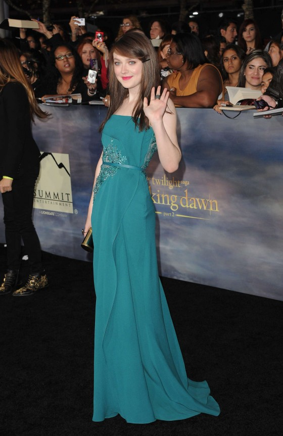 Dakota Fanning - The Twilight Saga Breaking Dawn 2 premiere in LA-01