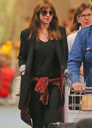 Dakota Johnson in Tight Jeans -15