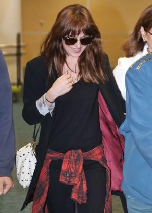 Dakota Johnson in Tight Jeans -22