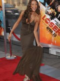 dania-ramirez-the-losers-premiere-at-graumans-chinese-theater-in-hollywood-30