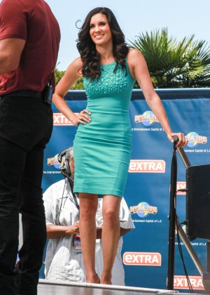 Daniela Ruah in Green Dress on 'Extra' set in Universal City