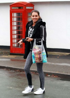 Danielle Lloyd in Tight Jeans -04