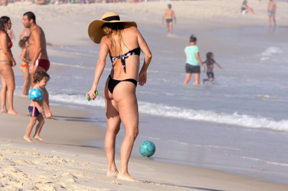 Danielle Winits – Bikini -08