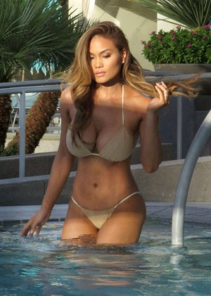Daphne Joy in Bikini on the pool in Las Vegas