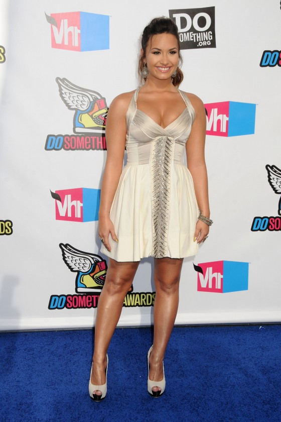 Demi Lovato – 2011 VH1 Do Something Awards in Hollywood