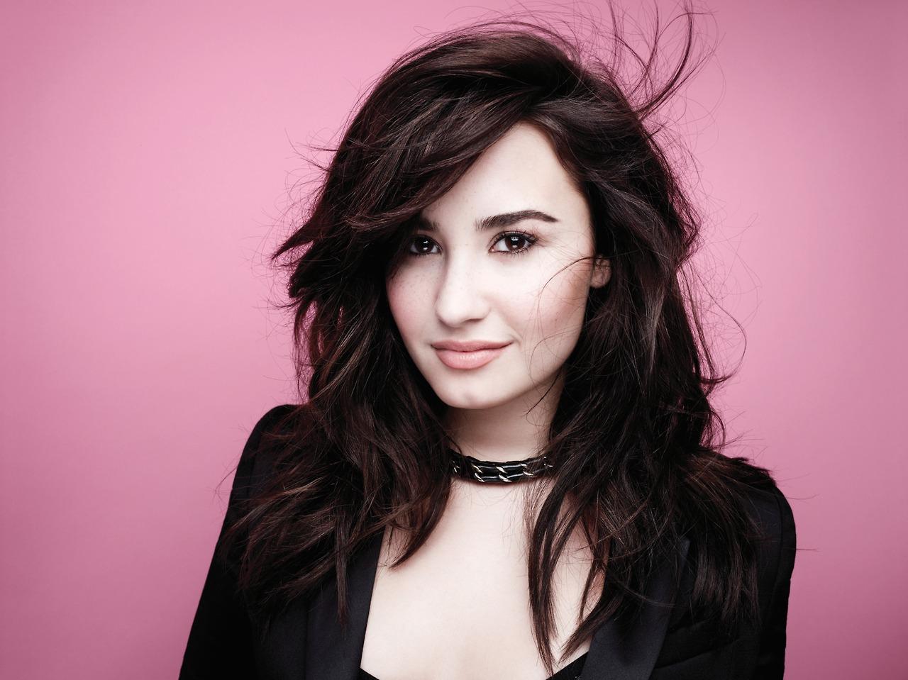 Demi Lovato Photoshoot 2013 Demi Lovato - 2013 New...
