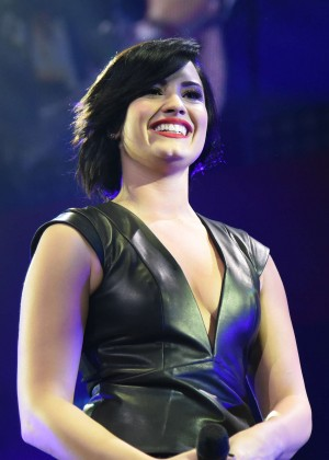 Demi Lovato - KIIS FM's Jingle Ball 2014 in LA