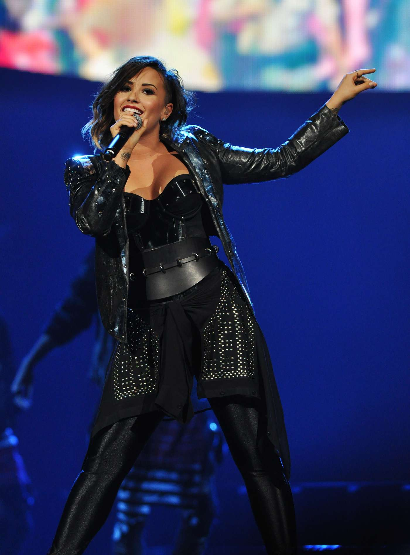 Demi Lovato Neon Lights World Tour Raleigh 11 Pnc Arena