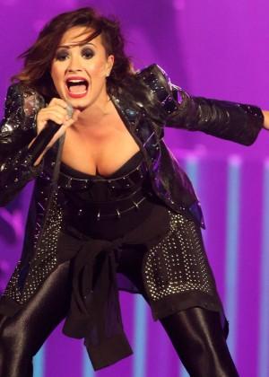 Demi Lovato - Performs Live in Baltimore