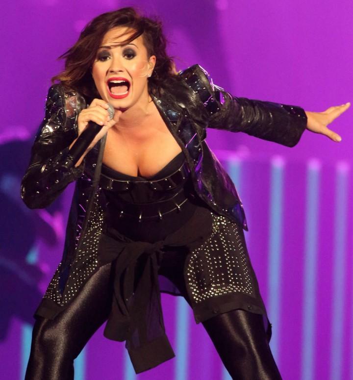 Demi Lovato – Performing in Baltimore