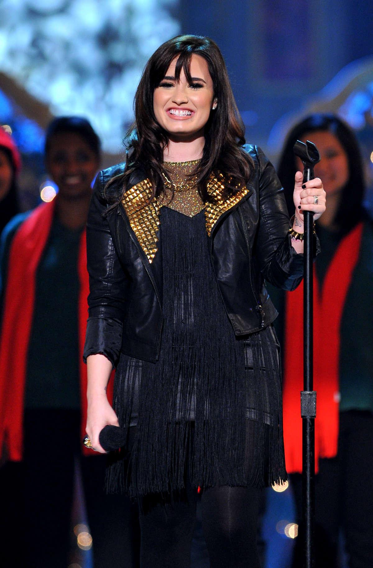 Demi Lovato - TNT Christmas 2012 -07 - GotCeleb