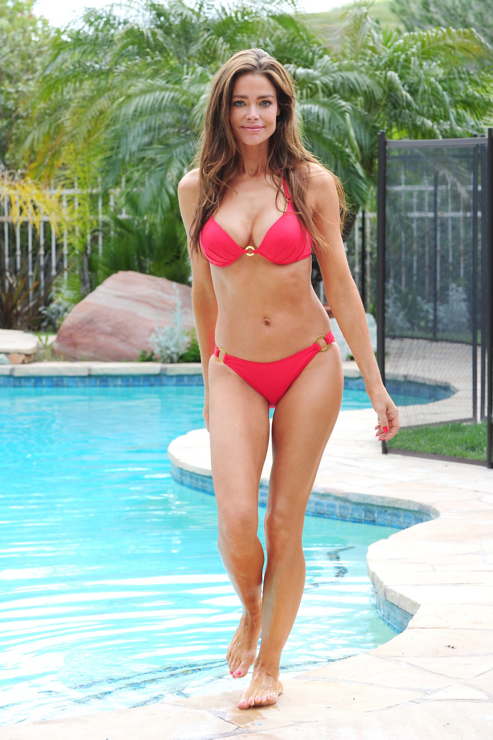 denise-richards-new-bikini-03