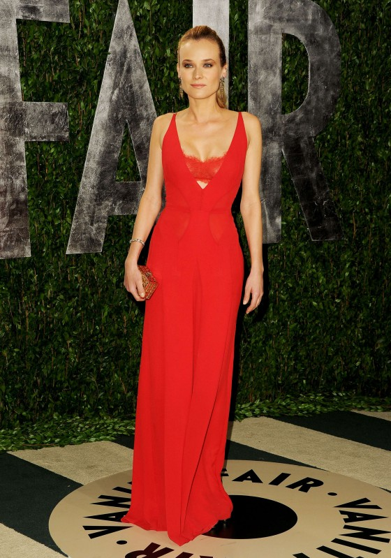Diane Kruger cleavage at Vanity Fair Oscar Party 2012-12