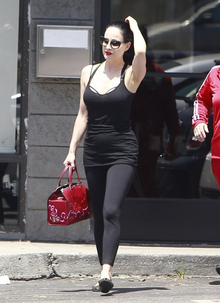 Dita Von Teese Hot On Street 03 Gotceleb