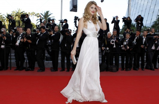 doutzen-kroes-at-premiere-of-gods-and-men-in-cannes-2010-09