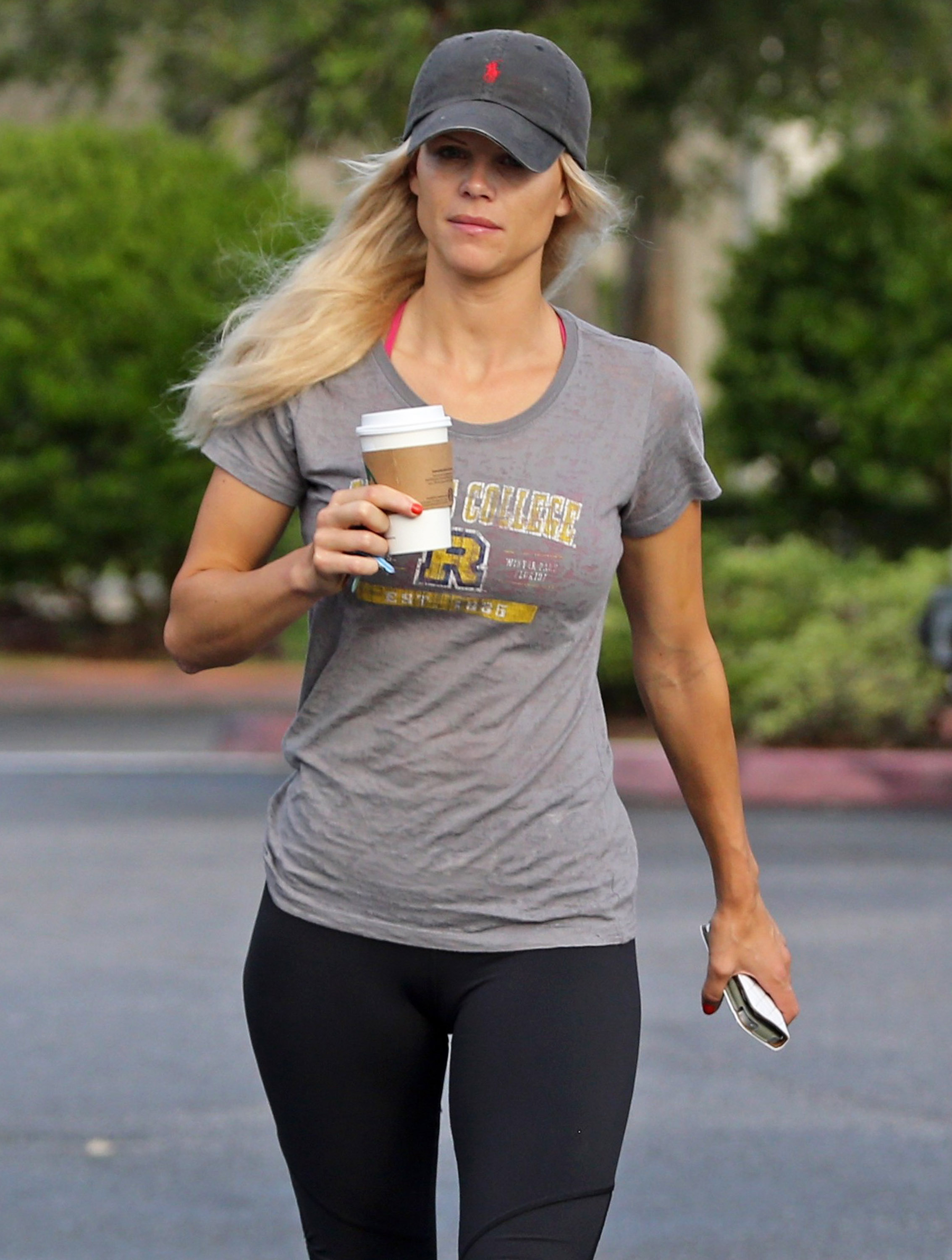 Hilary swank hairstyles for 2017 celebrity hairstyles by - Elin Nordegren Pictures In Yoga Pants 10 Full Size