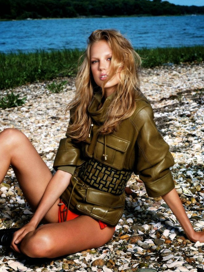 Elisabeth Erm - Vogue Spain Magazine (January 2015)