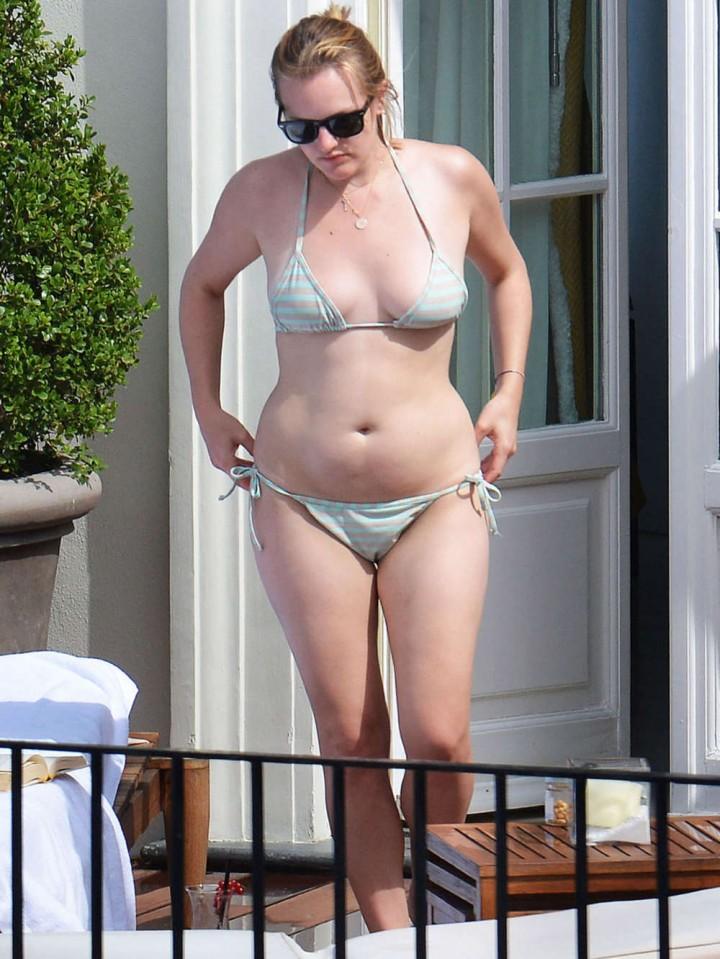 Elisabeth Moss - Wearing Bikini in Capri