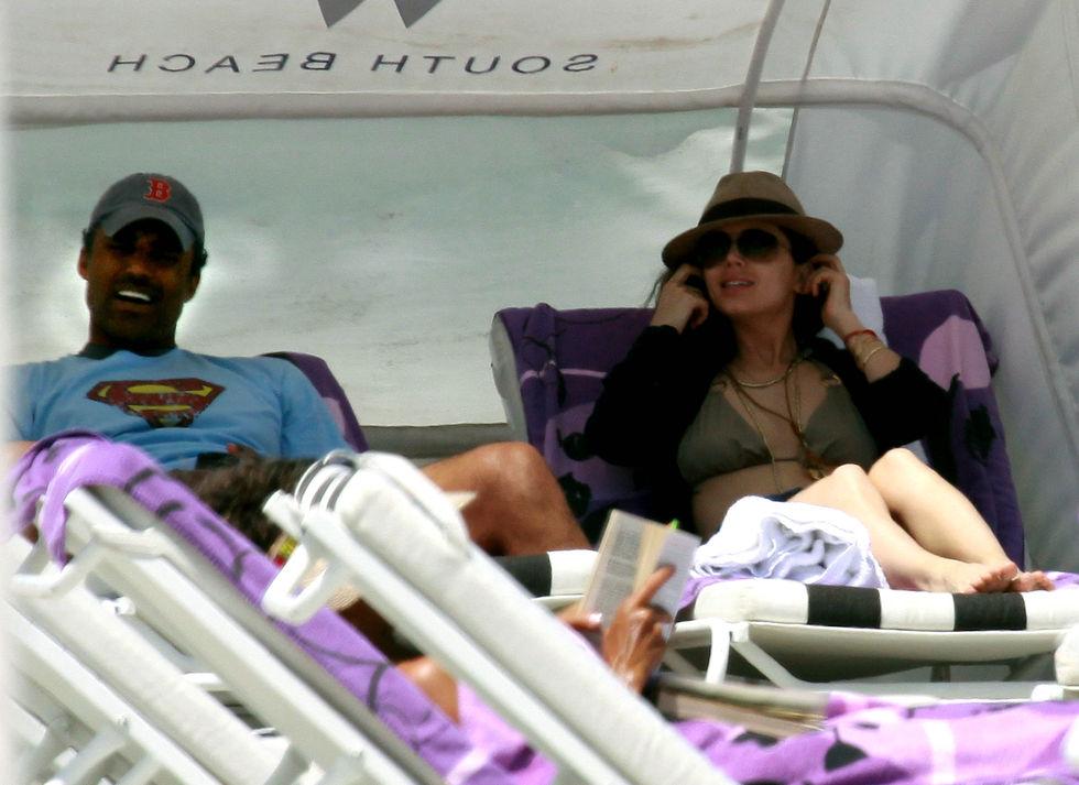 Eliza Dushku 2010 : eliza-dushku-in-a-bikini-in-miami-beach-03