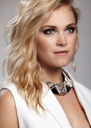 Eliza Taylor - Bello Magazine (June 2014)