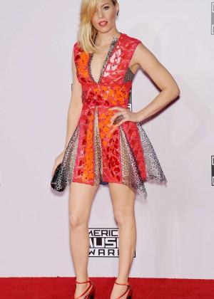 Elizabeth Banks - 2014 American Music Awards in LA