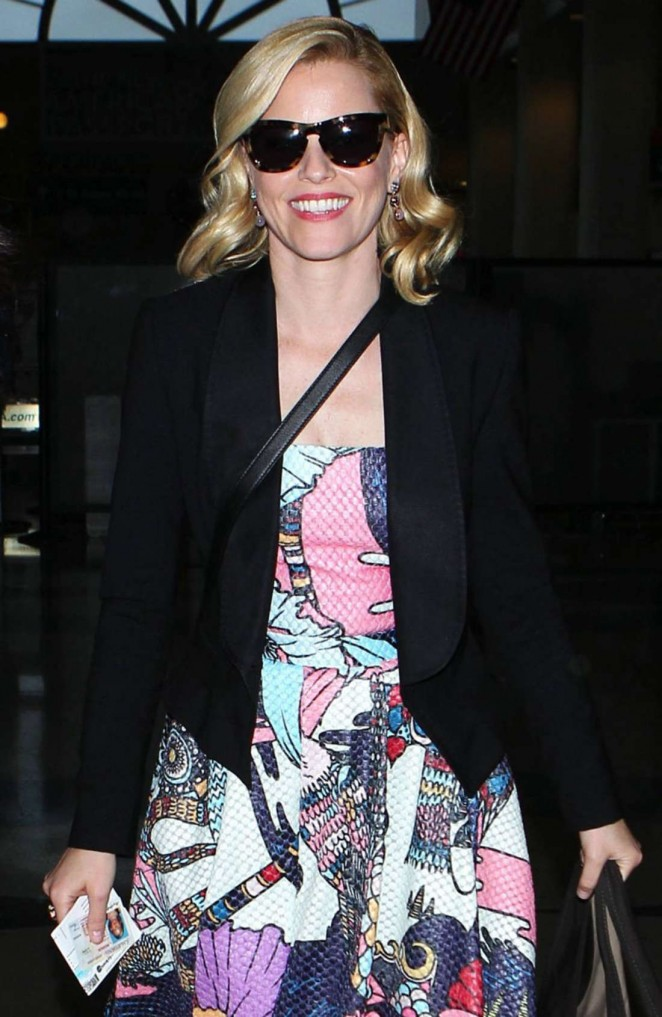 Elizabeth Banks in Long Dres at LAX -01