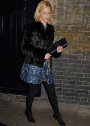 Elizabeth Banks in Mini Skirt at the Chiltern Firehouse in Marylebone London