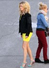 Elizabeth Banks - Looking Hot in yellow dress-03