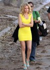 Elizabeth Banks - Looking Hot in yellow dress-07