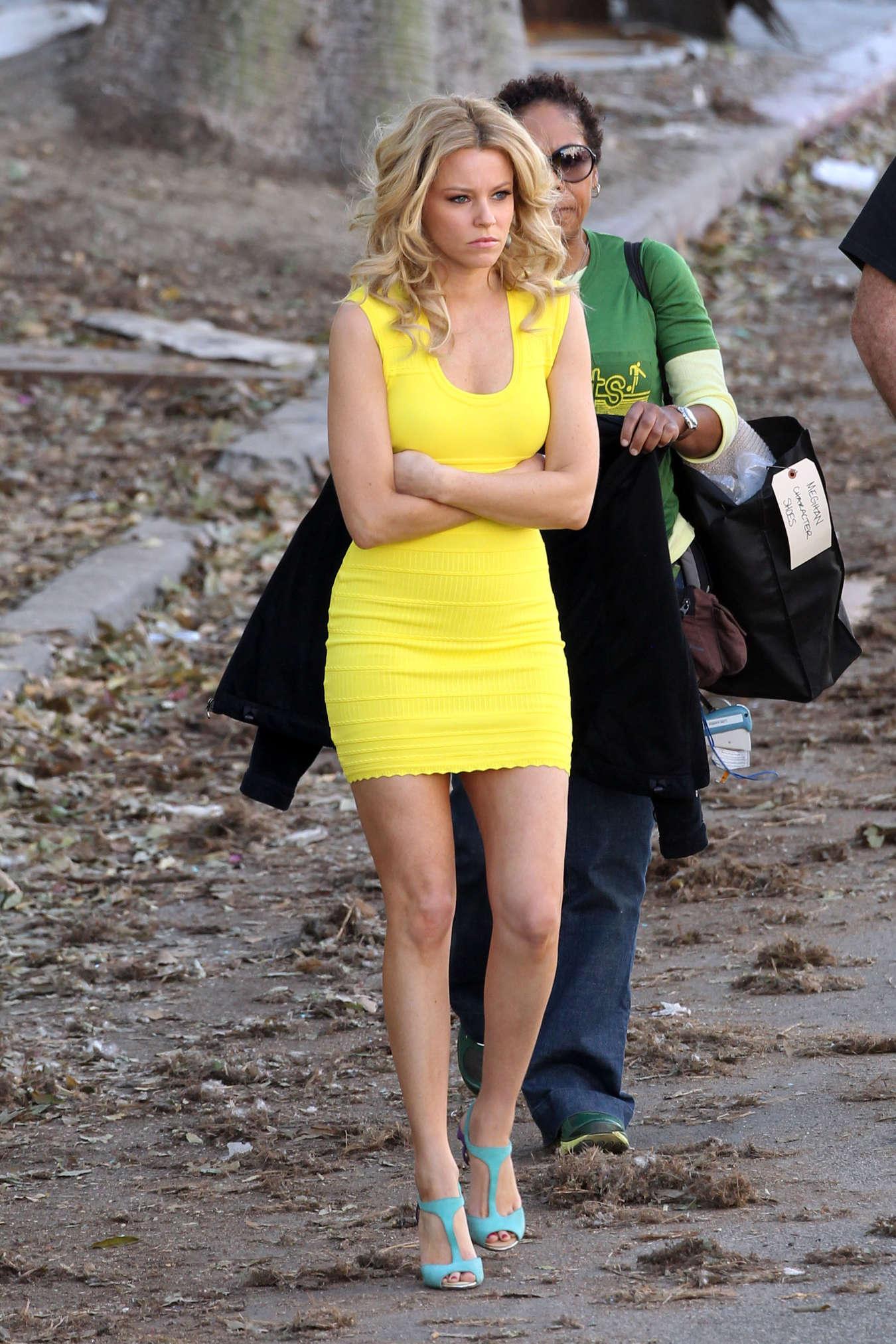 Elizabeth Banks Yellow Dress