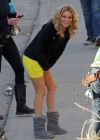 Elizabeth Banks - Looking Hot in yellow dress-13