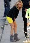 Elizabeth Banks - Looking Hot in yellow dress-21