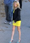 Elizabeth Banks - Looking Hot in yellow dress-22