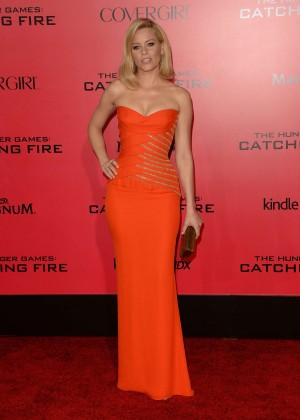 Elizabeth Banks - The Hunger Games: Catching Fire Premiere -02