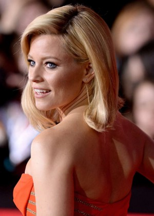 Elizabeth Banks - The Hunger Games: Catching Fire Premiere -06