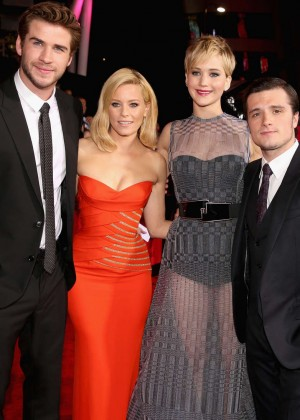 Elizabeth Banks - The Hunger Games: Catching Fire Premiere -11