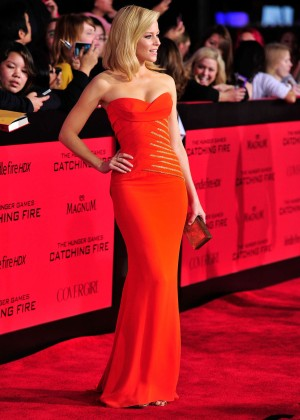 Elizabeth Banks - The Hunger Games: Catching Fire Premiere -12