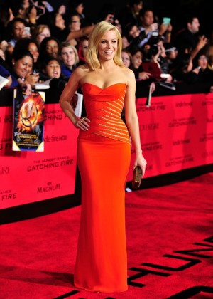 Elizabeth Banks - The Hunger Games: Catching Fire Premiere -30