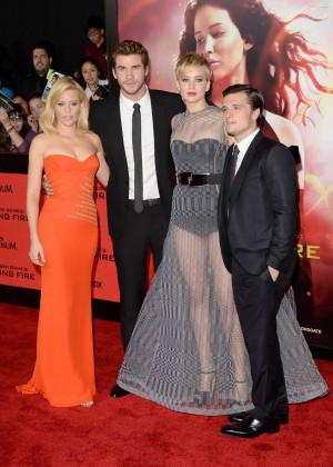Elizabeth Banks - The Hunger Games: Catching Fire Premiere -31