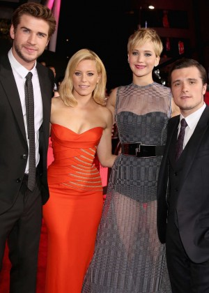 Elizabeth Banks - The Hunger Games: Catching Fire Premiere -32