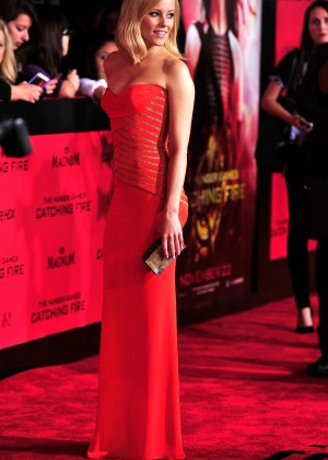 Elizabeth Banks - The Hunger Games: Catching Fire Premiere -35