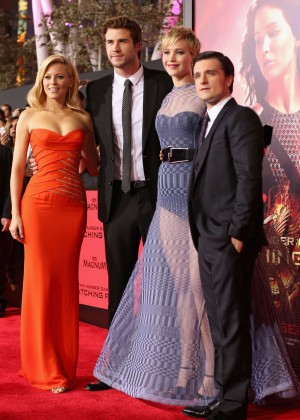 Elizabeth Banks - The Hunger Games: Catching Fire Premiere -39