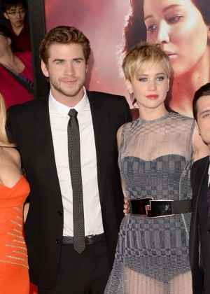 Elizabeth Banks - The Hunger Games: Catching Fire Premiere -44